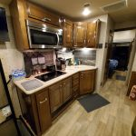2018 Thor Outlaw 37 RB kitchen